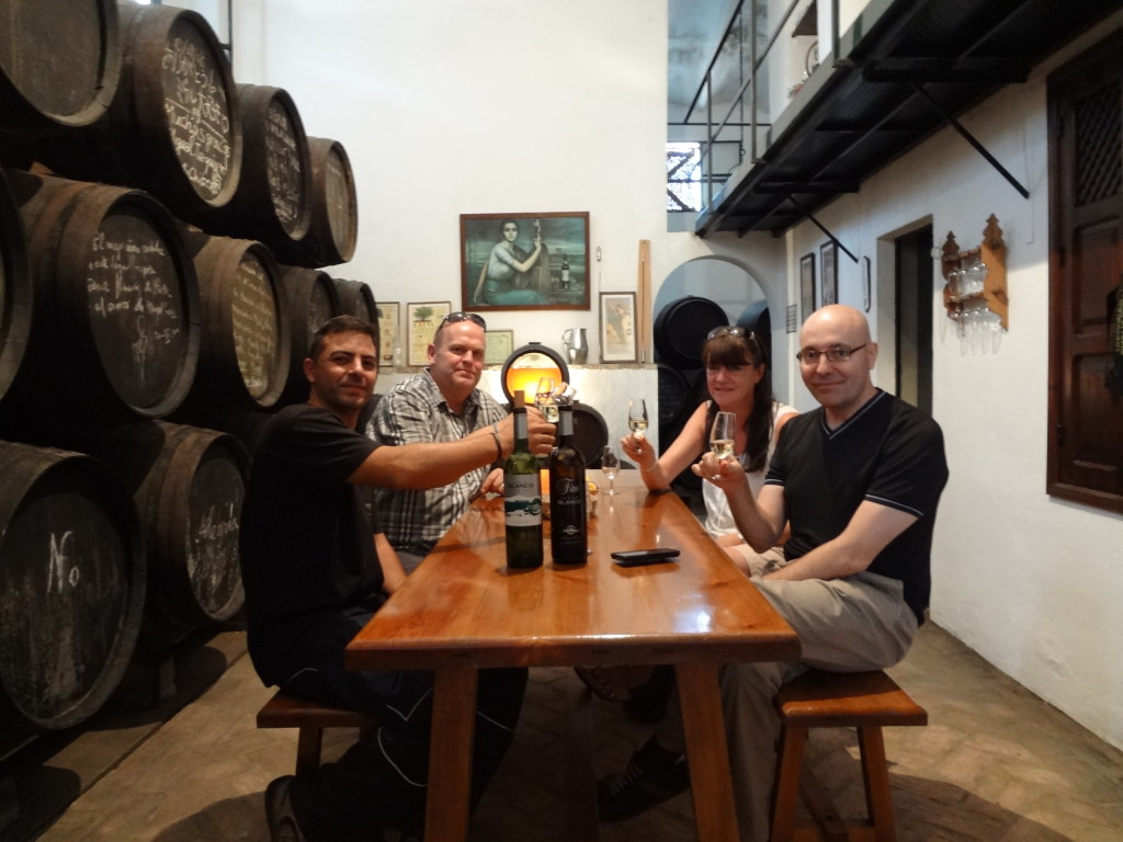 Rafa, Alberto, Laura & Erik raise a glass to the good health of Miguel and Bodegas Lagar Blanco